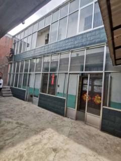 新华街独院,地上两层,八间屋,三证齐全,直接过户