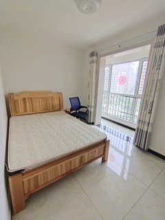 (城东)汇龙和谐康城A区3室2厅1卫125m²简单装修