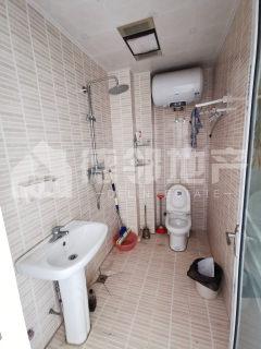 滕州一中陪读房 人和蓝湾1室1厅1卫30m²豪华装修