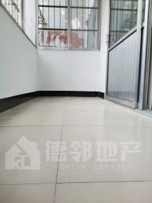 滕东中学、龙泉小学学区龙泉苑3室2厅1卫96.14m²毛坯房