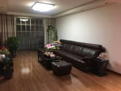 (城东)凤凰苑3室2厅2卫138m²豪华装修 送车库 证满五