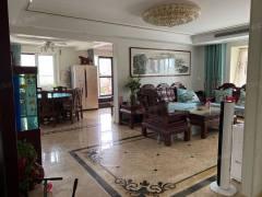 丹香苑大平层,东户和南户两套房子打通的,带一个500多平的