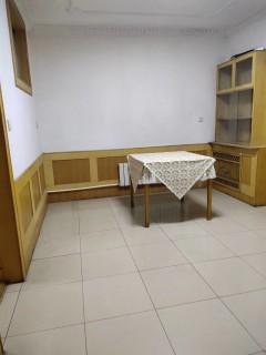 (城西)金孔府南区3室2厅1卫90m²简单装修