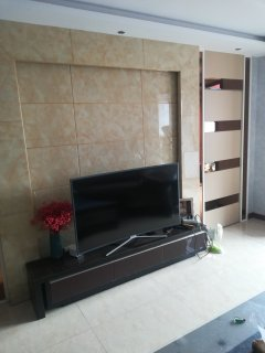 中央城2室2厅105m²豪华装修送车位家俱家电