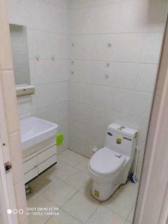 (城西)互联大厦1室1厅1卫50m²简单装修 可半年付可年付