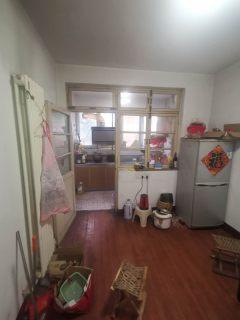 奎文小区3室2厅带部分家具家电简单装修拎包入住