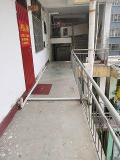 1室1厅1卫50m²简单装修