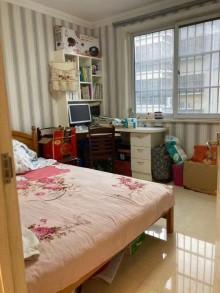 (市中心)四方城3室2厅1卫90m²简单装修