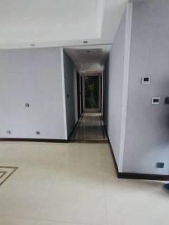 (城东)保利海德佳园b区豪装多层3楼出售!送车位储藏室!