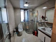 滨江国际御园 三楼带平台,豪华装修,证满二年,可贷款,送车位