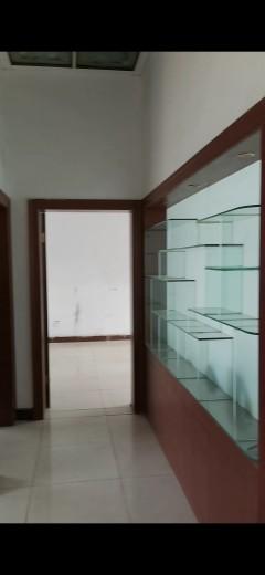 (城东)张庄居4室1厅1卫160m²