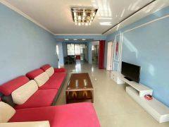 凤凰苑5楼3室2厅2卫两室一厅向阳138m²简单装修送车库