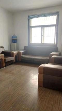 (市中心鸿兴佳苑3室2厅1卫101m²简单装修