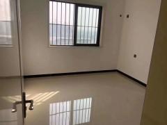 (市中心)前进花园4室2厅2卫160m²简单装修