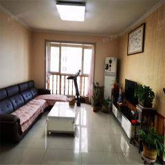 城建威尼斯二区:电梯洋房,三室两厅精装修,中间楼层可贷款