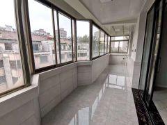 (城南)德馨花园3室2厅1卫146m²豪华装修