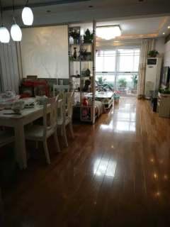 (城西)香格里拉 三楼精装修通透三室 满5带车库可贷款
