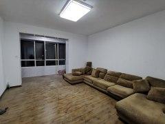 (城北)龙泉首府3室2厅2卫155m²