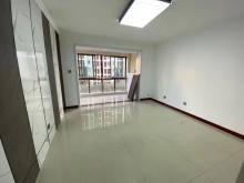 城东远航水晶城精装修两室 客厅主卧带连体阳台 有证可贷款