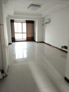 出租一手海上明月公寓80平1室1厅1卫精装年租1.2万