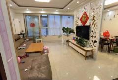 三盛星尚城:挑空复式,四室两厅精装修,有证可贷款看房方便