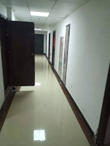 市中心中央城C区公寓,17楼,1室1厅1卫30万毛坯房或精装