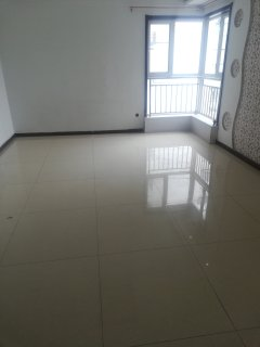 (市中心)中央城3室2厅1卫135.8万119m²出售