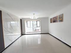 (城东)汇龙和谐康城B区电梯四楼东户3室2厅2卫153.8万144m²豪华装修出售证满二配合贷款