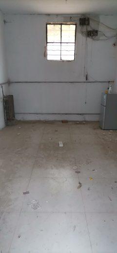 塔寺路独院出租,三间地基,1000一月