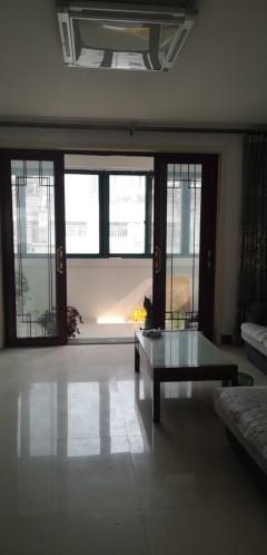 滨江二期六室三厅三卫复式对外出租。带一间车库,五六楼复式26o平方。月租26oo元,配全套家居家电。