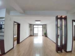 凤凰苑3室2厅 两室一厅朝阳 送车库 满五年 多层三楼