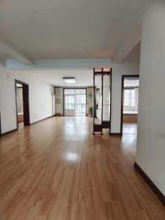 (城东)凤凰苑3室2厅2卫159万135m²简单装修 送车库